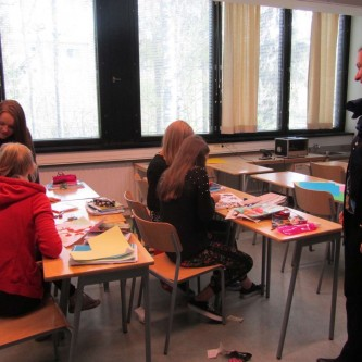 Workshop with the French-Finnish high school in Helsinki; Stéphanie C. Lefrère, Curator of the Natural History Department at the Regional Museum of Lapland, supervises the workshops. - 2014