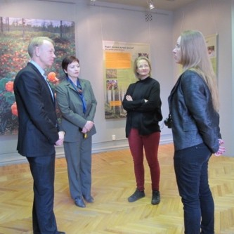 Tomas Halberg, director of IBS; Irina Shevchuk, curator at the Museum of regional studies; Tuuli Ojala, climate expert at IBS and Sari Pöyhönen, assistant of the consul in Murmansk