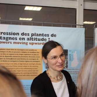 Workshop with the ABC international school in Nice at the Parc Phoenix; Stéphanie C. Lefrère, Curator of the Natural History Department at the Regional Museum of Lapland, tells about climate change in Lapland.